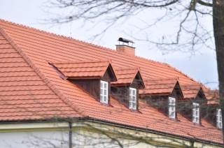 Nová střecha pro zámeček v Chotiměři